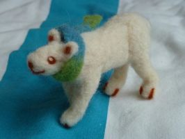 needlefelted icebear by Bunnysfriend
