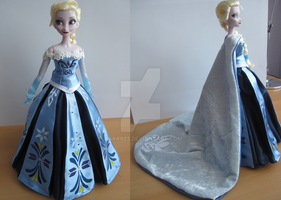 Frozen Queen Elsa coronation dress (Anna sytyle) by kara023
