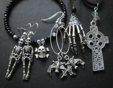 Graveyard Jewelry Collection Vamps Jewelry by mzvampy