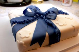 blue bow cake by pinkshoegirl