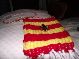 Gryffindor bag with button by Armadeo