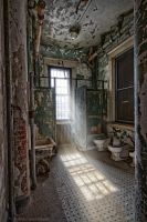 Old Bathroom by pewter2k