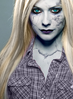 Avril as an undead by Azelanne