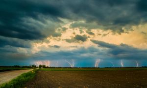 passing cell near Bekes by Alex80