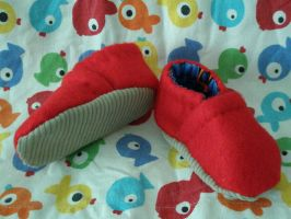 Baby shoes - handstitched by hypnocampus