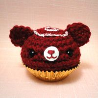 Red velvet cupcake by amigurumikingdom