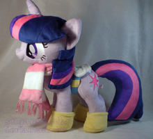 MLP FiM: Winter Wrap Up Twilight by sugarstitch