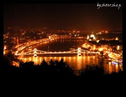 night of Budapest by sk8ershep