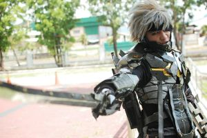 Metal Gear Rising Revengeance - Raiden cosplay 2 by karlonne