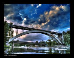 Railway bridge. HDR by Tinnunculus