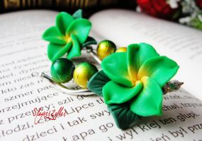 Polymer clay earrings with exotic green flowers by Benia1991