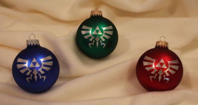 Legend of Zelda - Hylian Crest Christmas ornaments by Yukizeal