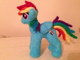 Needle Felted Rainbow Dash by the-pink-dragon