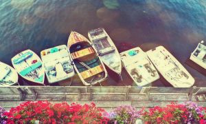 Water boats and the balcony by LucyNote