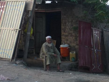 Poverty in Pakistan, Old man by Wak786