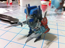 Chibi Optimus Prime papercraft by wulongti