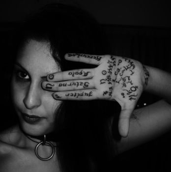 Destiny on my hands... by MortLeMalinconia