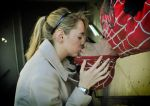 Kiss - Gwen Stacy and Spiderman by kiddo-cosplay