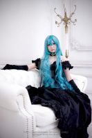 Hatsune Miku Black Vow by jaRoukaSama