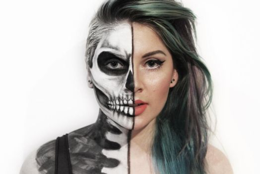 Half Skull by PoppyHunter