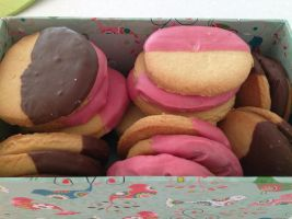 Sweetheart's shortbread cookies :3 by Roses-and-Feathers