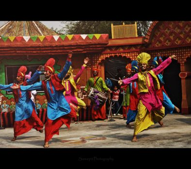 Bhangra Paale by sampi1