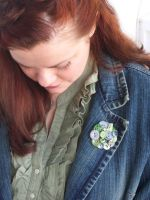 Modeling a Button Brooch by annjepsen