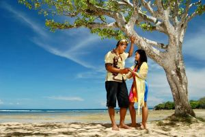 a couple in nusa dua by nooreva