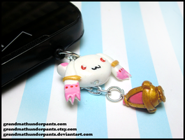 Kyubey Dust Plug by GrandmaThunderpants