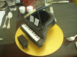 Grand piano cake. by tanmei