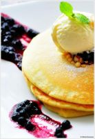 Blueberry Pancake by edwin1303