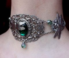 Emerald dragonfly choker 2 by Pinkabsinthe