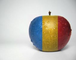 Apple - Romania by blue-bullet