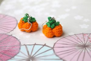 Crocheted Holiday Harvest Pumpkin Earrings by SkySinger92