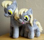 Derpy and filly Derpy by PlushieScraleos
