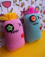 Mini Pillow Pals Pattern by EssHaych