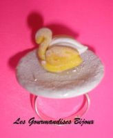 FIMO CHOUX PASTRY SWAN RING by GourmandisesBijoux