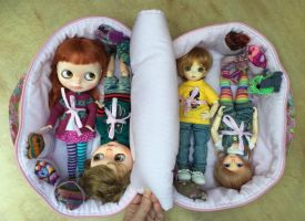 Travel Bag Sleeping For Four Dolls Case Blythe by iasio