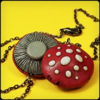 Red Mushroom Necklaces by beatblack