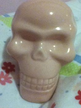 Just a pink skull by Cloudiaa