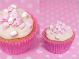Marshmallow Cupcake by angelinthedark1