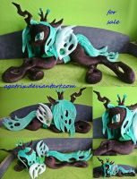 Life size (laying down) Queen Chrysalis SOLD by agatrix