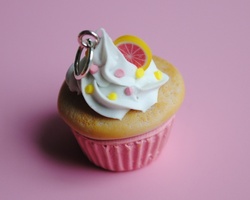 Grapefruit cupcake charm by ClayRunway