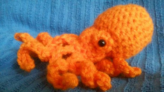 Tiny Octopus Amigurumi by PerilousBard