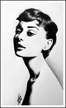Audrey Hepburn by silv3rsia