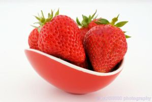 Strawberries by bart30000