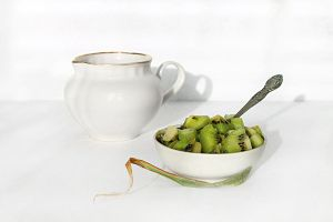 About kiwi fruit and milk by An-gora