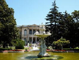 Fountain in the garden of Dolmabahce Palace by jacobjellyroll