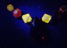 Iskiera necklace UV closeup by wombat1138