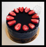 Black Mirror Glaze Cake with Strawberries by CakeUpStudio